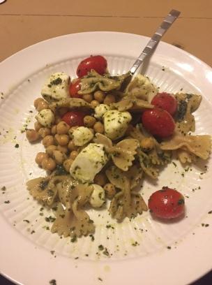 tomato, mozz, chickpea pasta salad