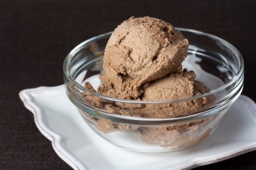 Raw_Ice_Cream_Company_Vegan_Chocolate_Icecream_(5104075438).jpg